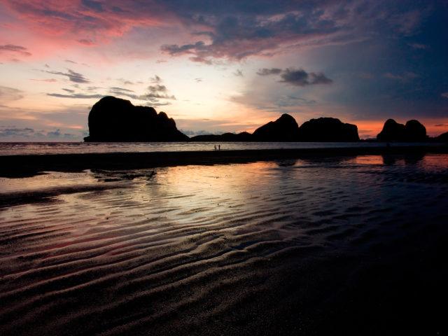 https://thailand-directory.com/wp-content/uploads/2021/09/Pakmeng_Beach_01-640x480.jpg