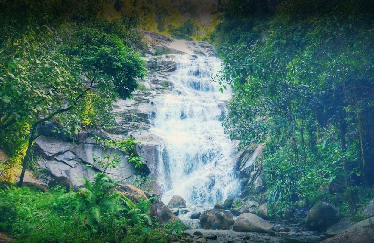 Ton Pliw Waterfall1